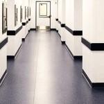 Pulizia straordinaria di pavimenti in PVC